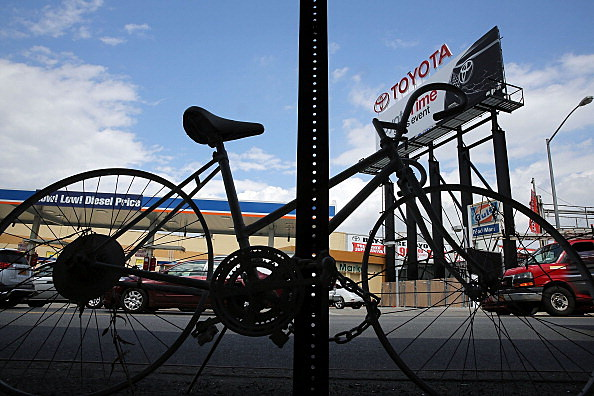 """Ghost Bikes"" Offer Grim Reminder Of Deadly Cyclists' Accidents On New York's Streets"